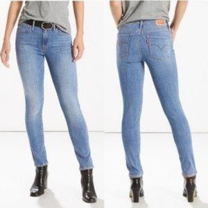 Levi's | 721 High Rise Skinny Jean 27x34